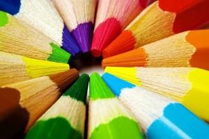 come-decorare-una-cornice-con-le-matite_17f257bc8576339e9573ec4871d98f17