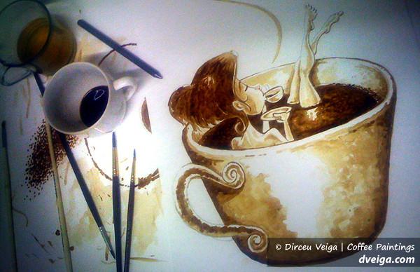 брюнетка пьет кофе фото