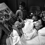 Frida kahlo l eros e il dolore in mostra alle scuderie del quirinale arteinlab - Dolore alle gambe a letto ...
